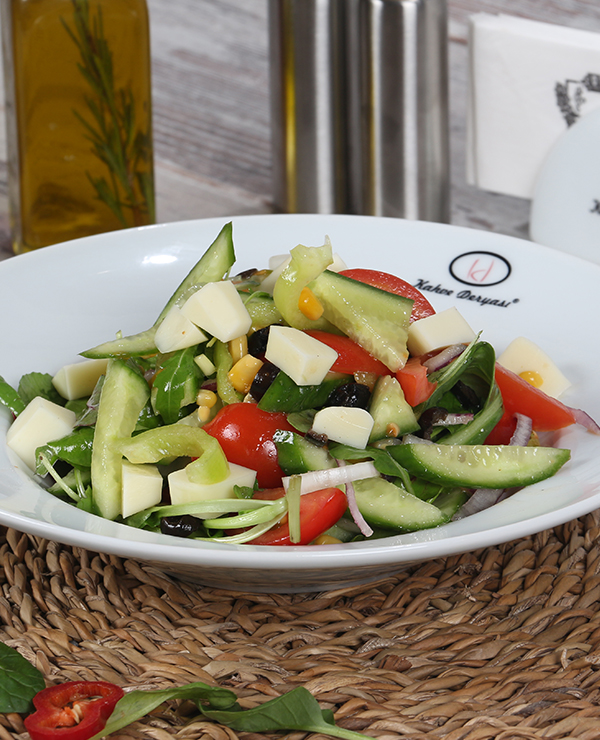 Ege Usulü Salata